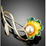 Arannyal bevont zöld-sárga olajfestéses virág bross ausztriai kristályokkal + AJÁNDÉK DÍSZDOBOZ (0615.)