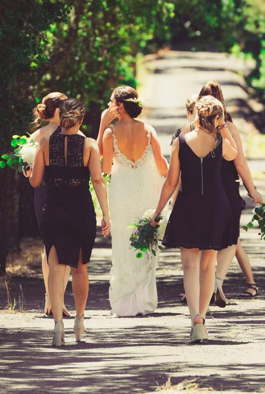 Divatos ruhák esküvőre 15 ezer forint alatt