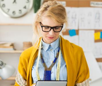 Így dobd fel az irodai outfited